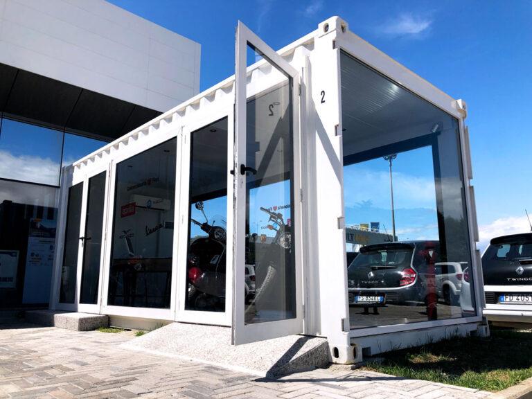 Container Shop vetrati per tour promozionali e pop up shop